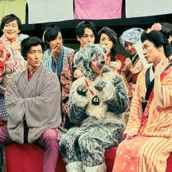 (前列左から)岩本照、阿部亮平、深澤辰哉(C)2020「滝沢歌舞伎 ZERO 2020 The Movie」製作委員会