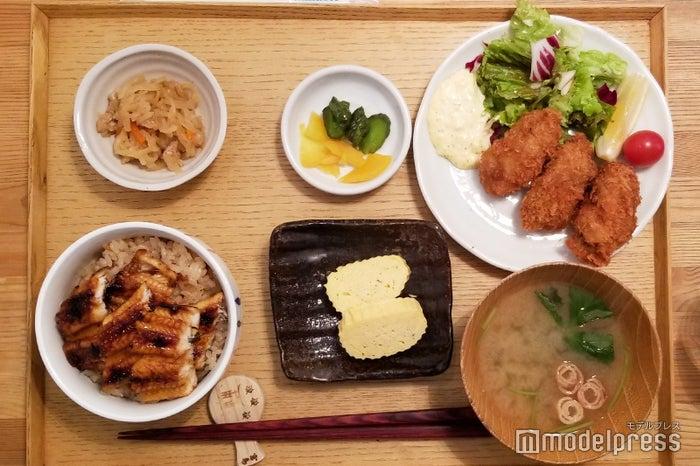 アナゴも牡蠣も楽しめちゃう!「宮島定食」(2,500円税別)(C)モデルプレス