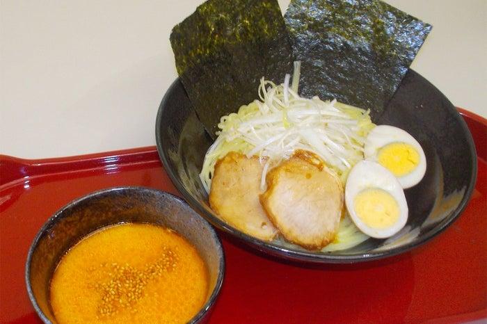 プリプリ食感のピリ辛担々ネギつけめん/画像提供:日本アクセス