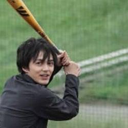 林遣都 野球シーンで投げて、打っての大活躍!『姉ちゃんの恋人』第5話
