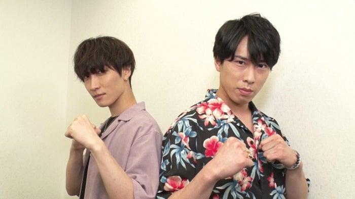 (左から)渡辺翔太、宮舘涼太(C)フジテレビ